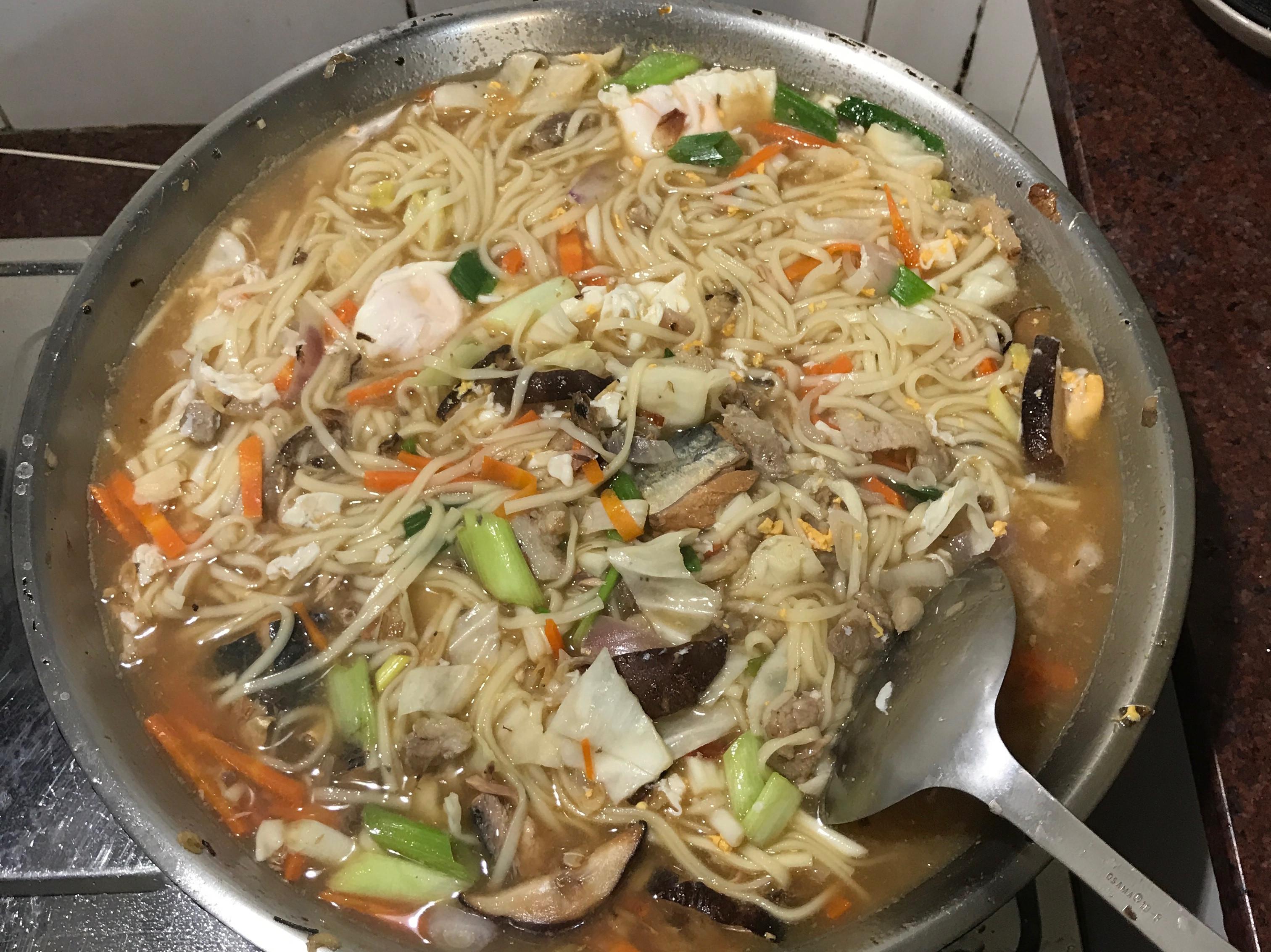 番茄鯖魚麵