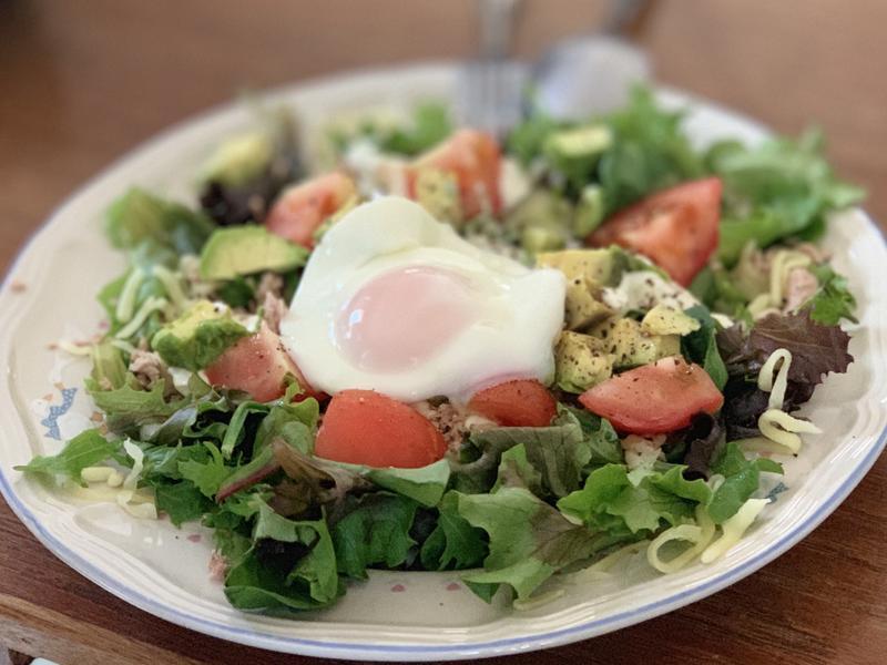 『減醣早餐』番茄酪梨蛋沙拉