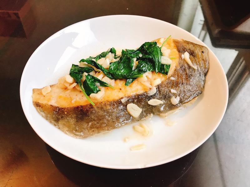 塔香蒜片乾煎鱈魚