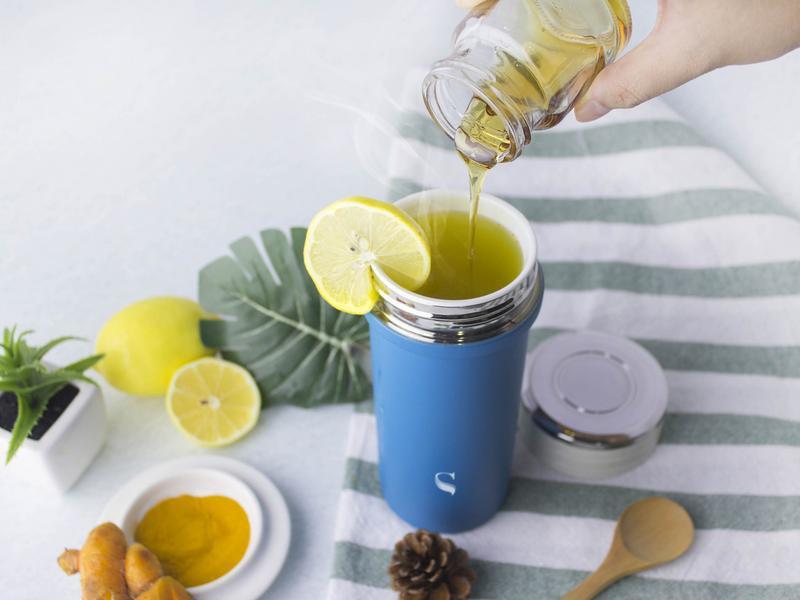 蜂蜜檸檬薑黃飲