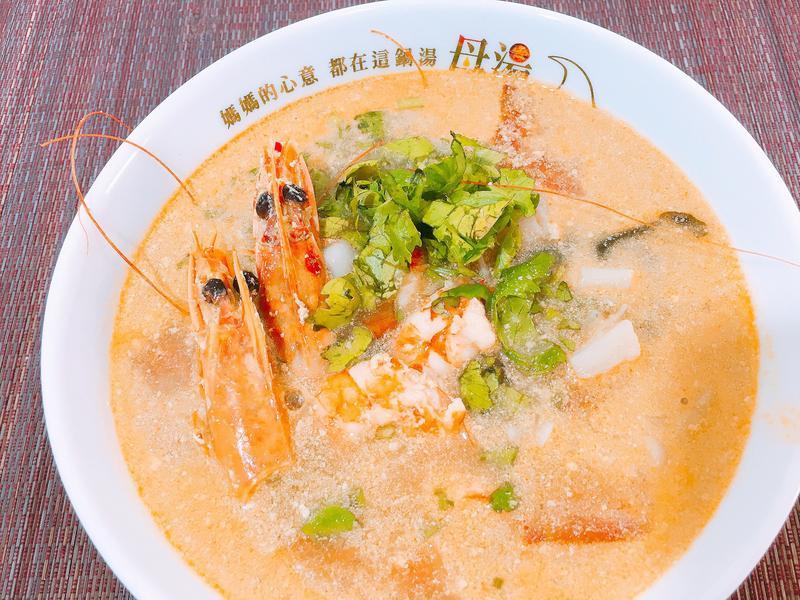 超蝦泰式酸辣湯