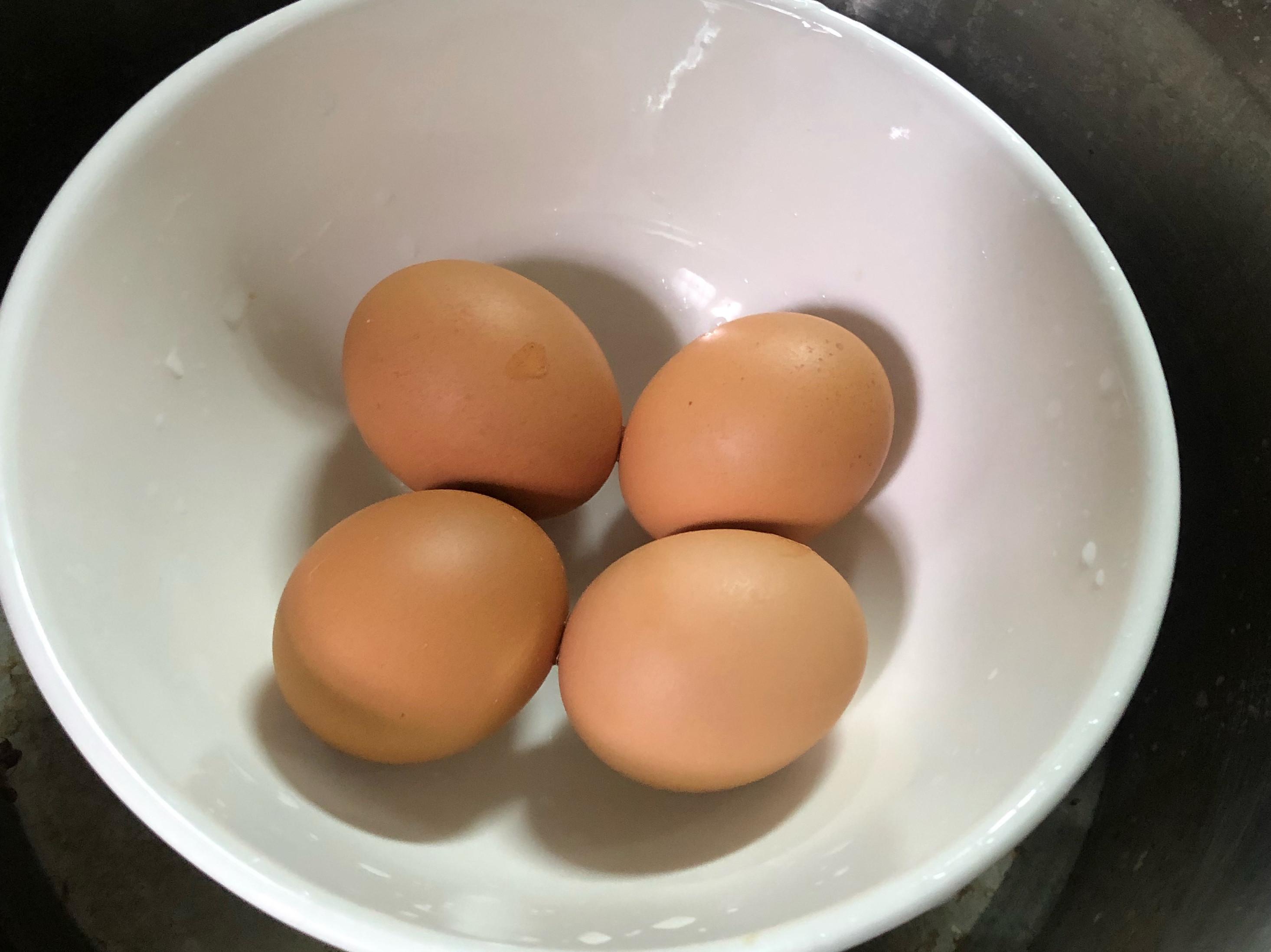用電鍋簡單做好白煮蛋