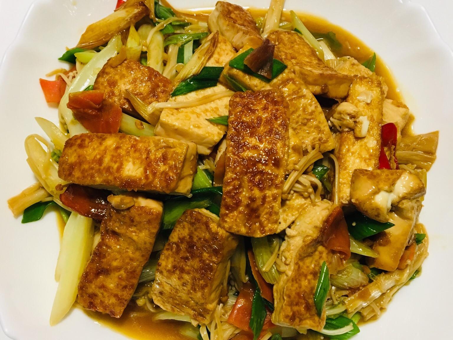 金針菇豆腐燒