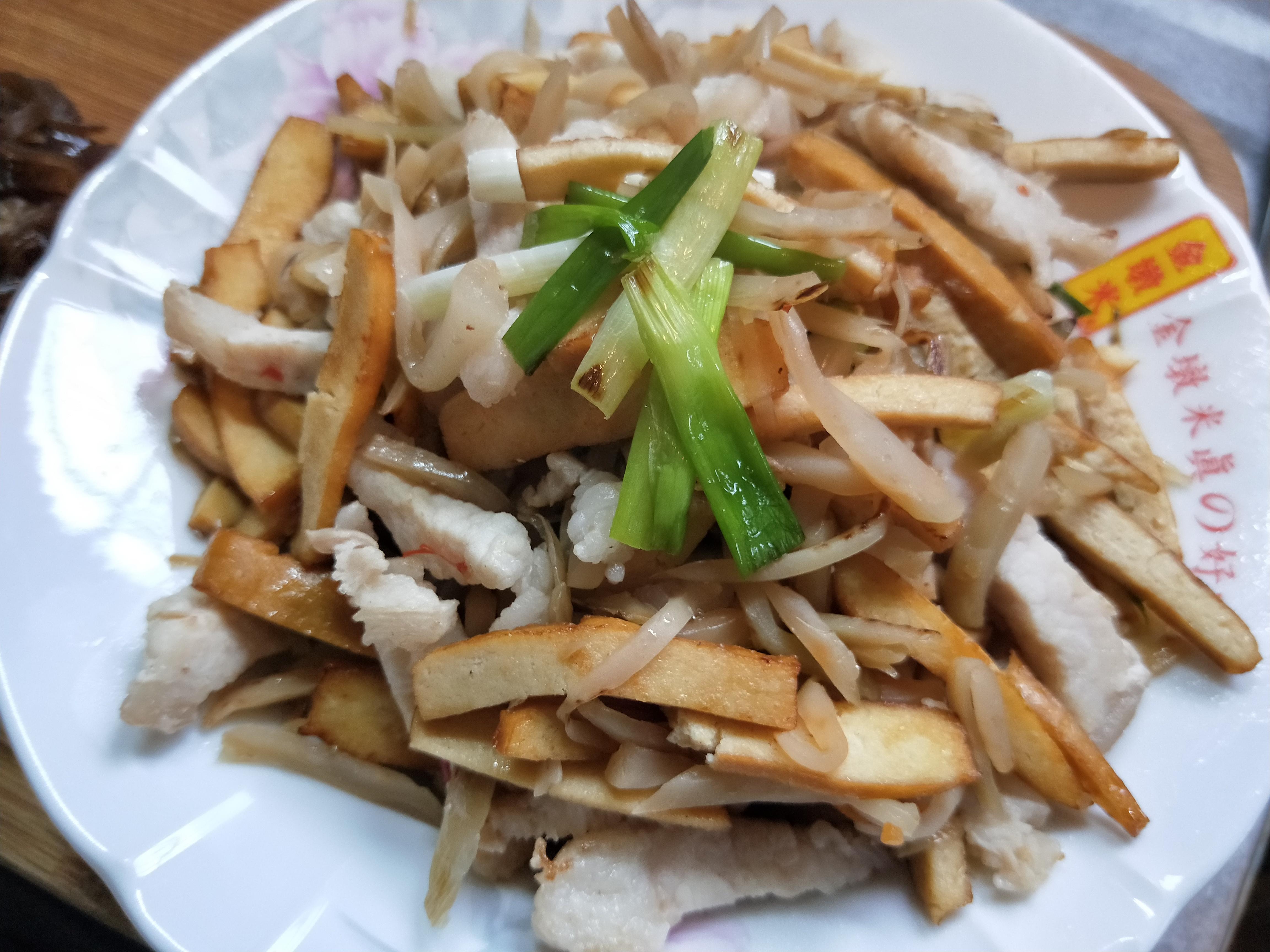 榨菜肉絲炒豆干