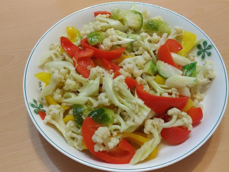 蒜香奶油炒彩椒花椰菜