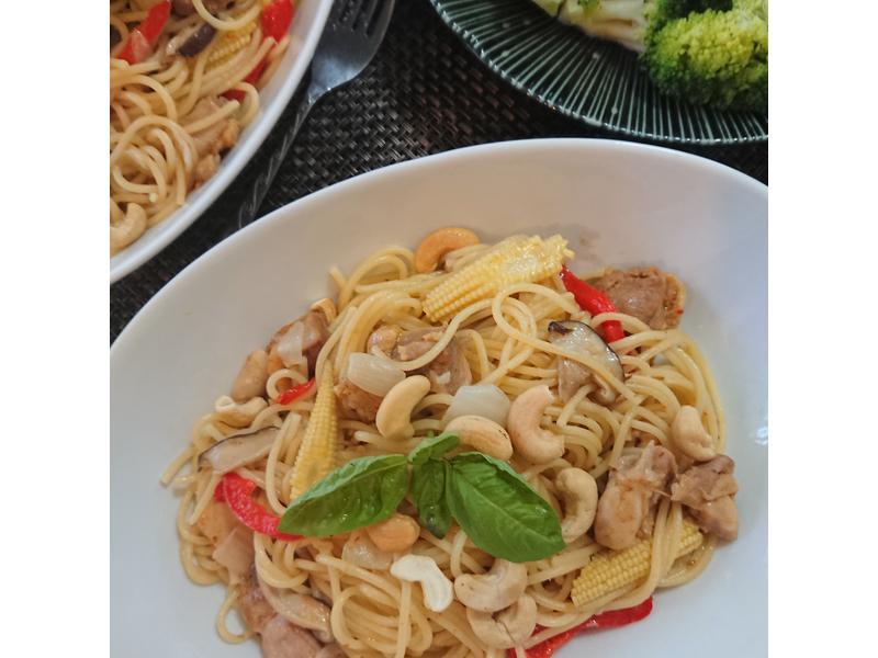 飛利浦萬用鍋泰式香辣雞肉義大利麵