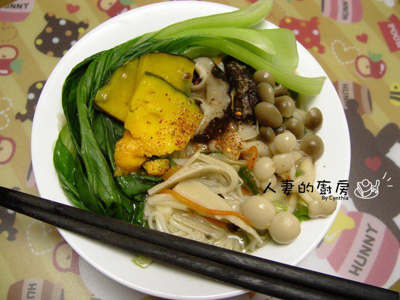 百菇香筍湯麵
