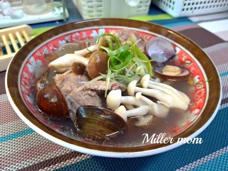 雙菇蛤蜊排骨湯【好菇道營養料理】