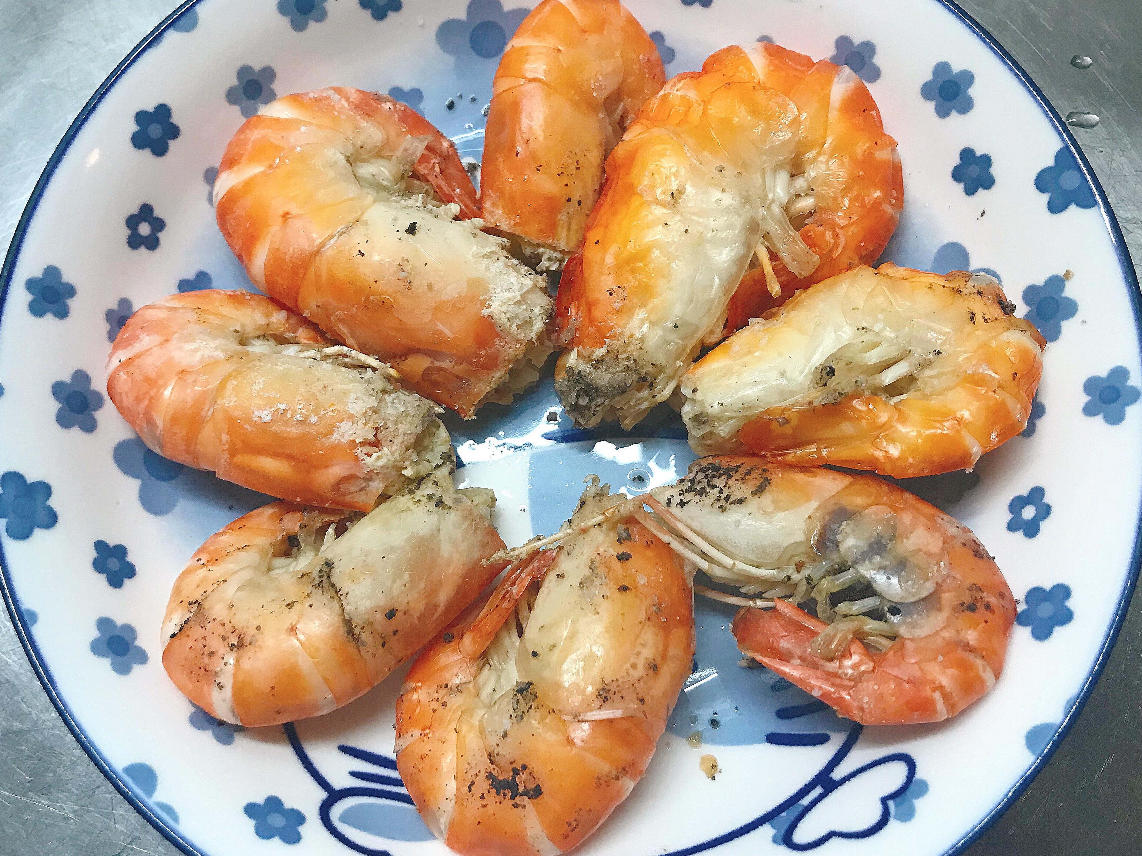 。鹽焗烤蝦。簡單快速
