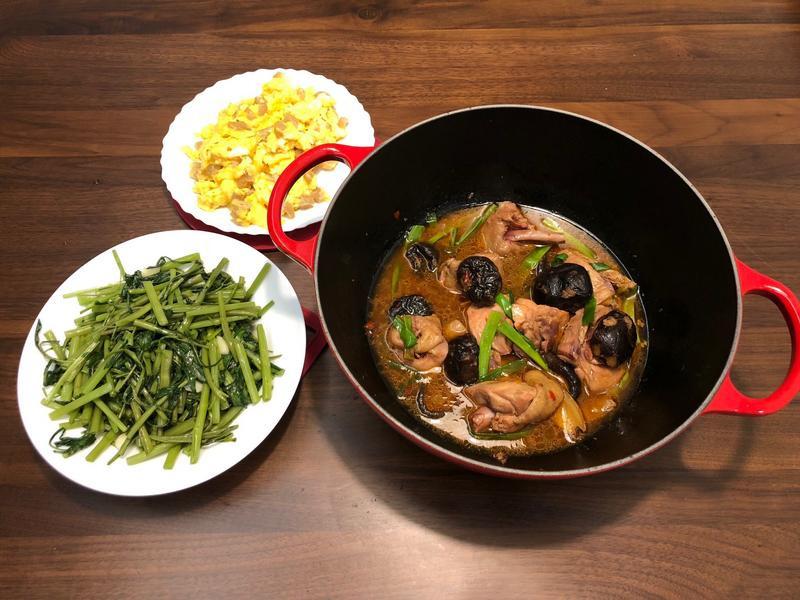 《鑄鐵鍋料理》豆瓣香菇雞
