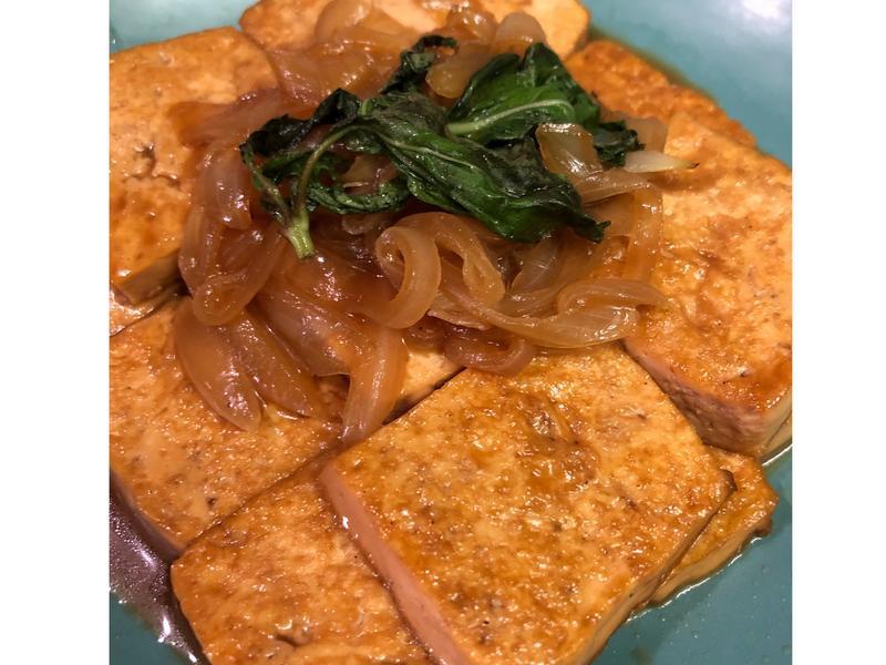 紅燒九層塔豆腐
