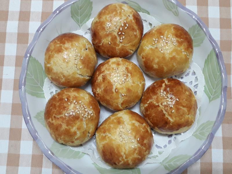 菠蘿蛋黃酥-中華二店氣炸鍋