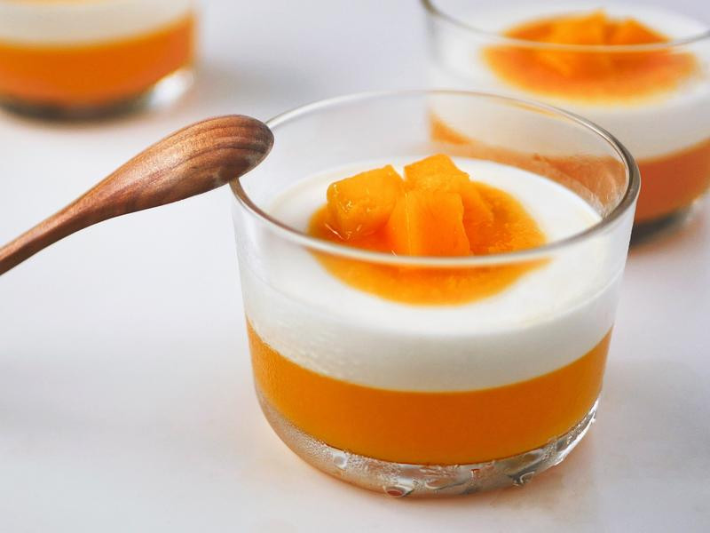 冰涼的芒果義式奶酪