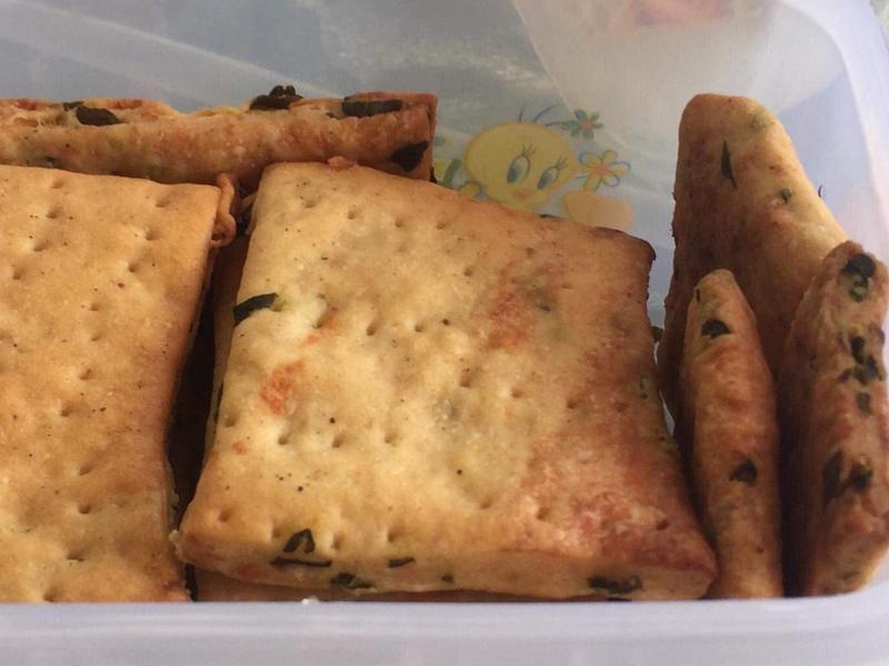 九層塔鹹餅乾