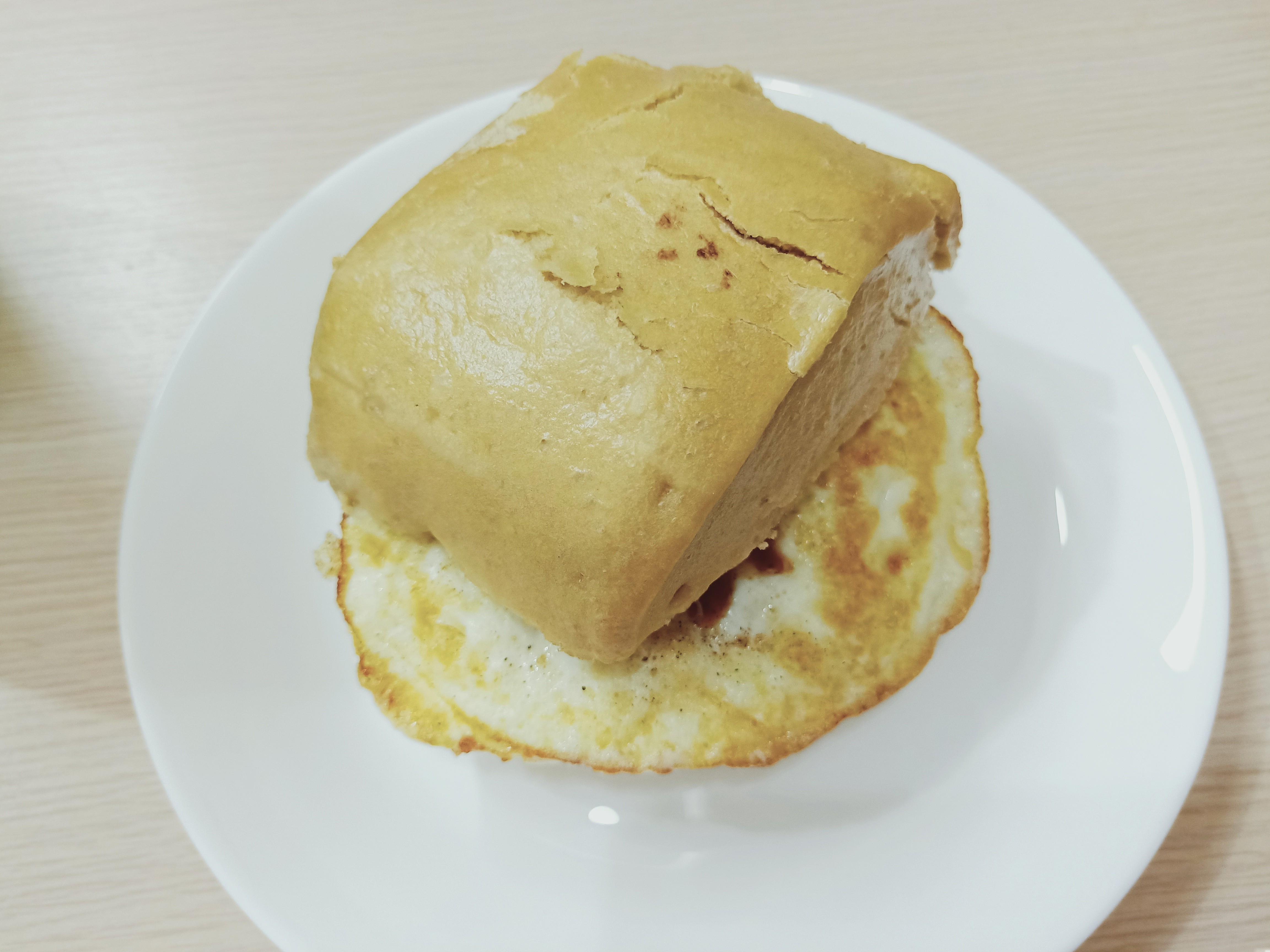黑糖饅頭夾蛋