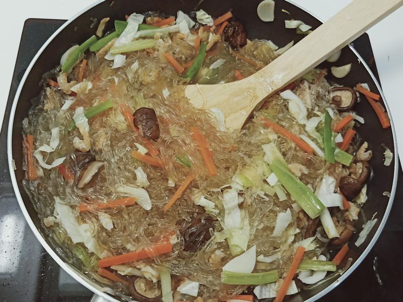 香菇蝦米炒冬粉