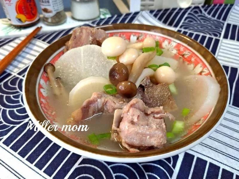 珍菇蘿蔔排骨湯【好菇道營養料理】