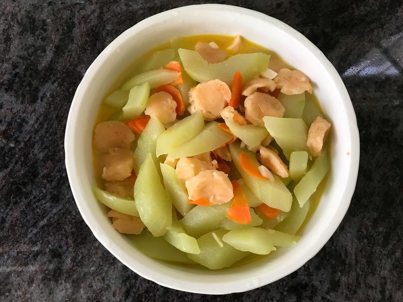 大黃瓜炒蝦丸