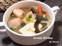 味噌鮭魚細豆腐湯