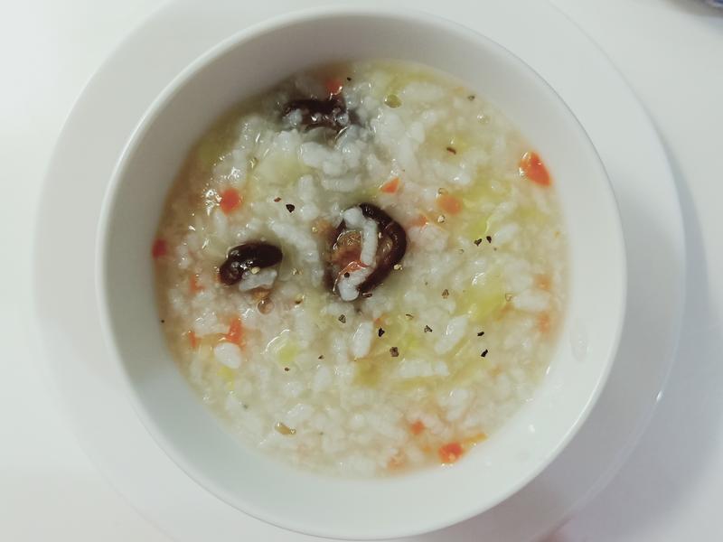 清淡高麗菜香菇粥