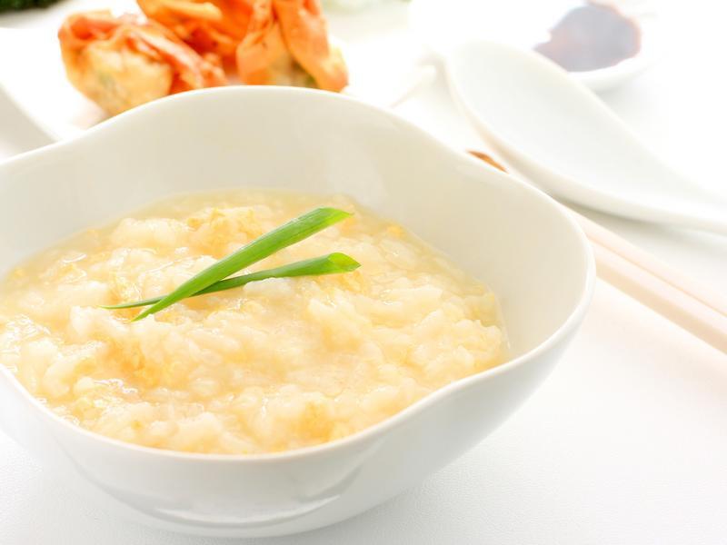 銀耳白木耳蓮子小米粥