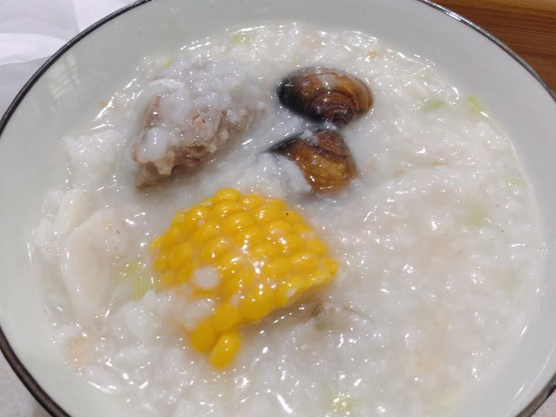 排骨海鮮粥(生米煮)