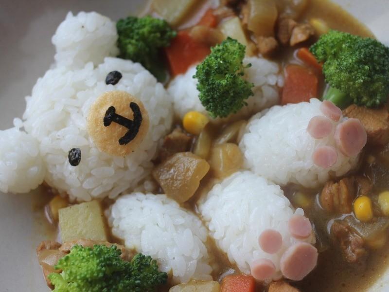 Kitty喵-小熊泡咖哩澡