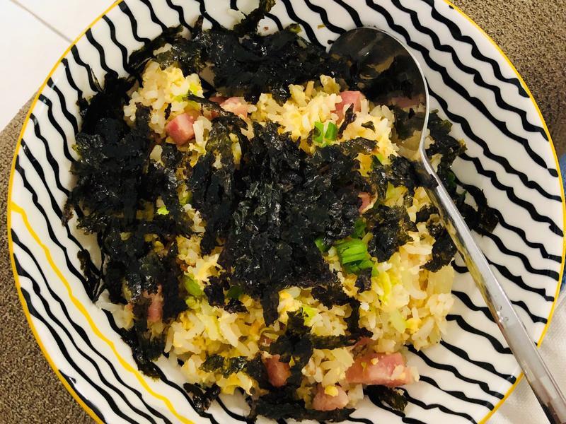 香肠紫菜鸡蛋炒饭 《日式风味》