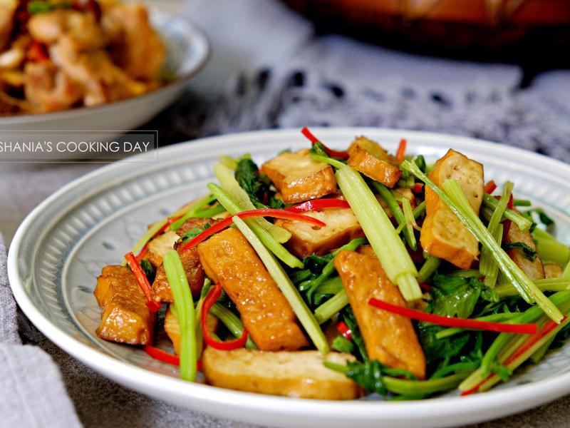 香芹炒豆干 - 適合炎夏的餐桌料理