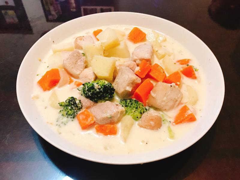 奶香馬鈴薯燉肉