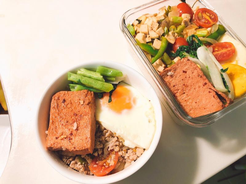 偷吃步醬燒百頁豆腐(蔬食)