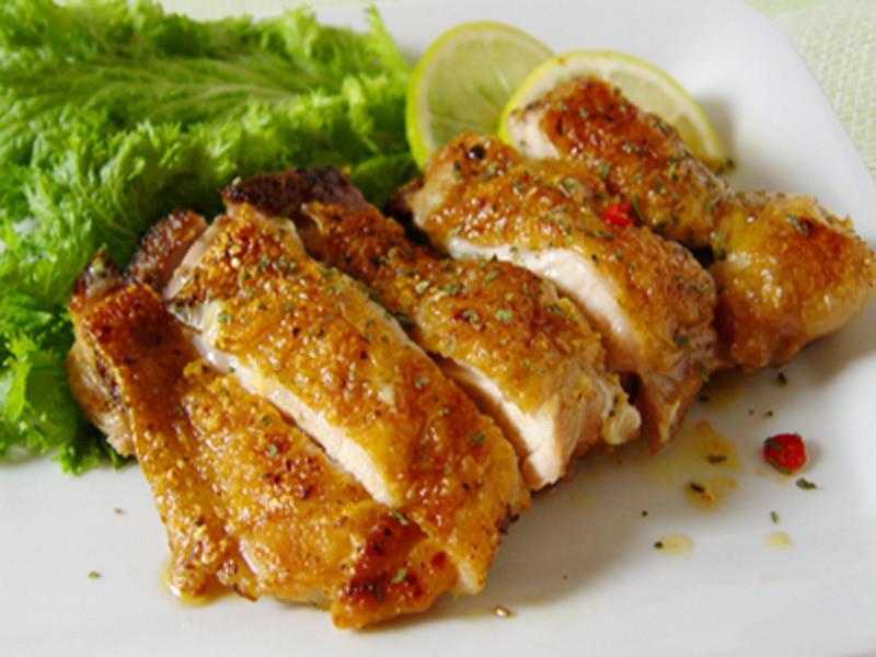 【厚生廚房】香草煎雞腿排