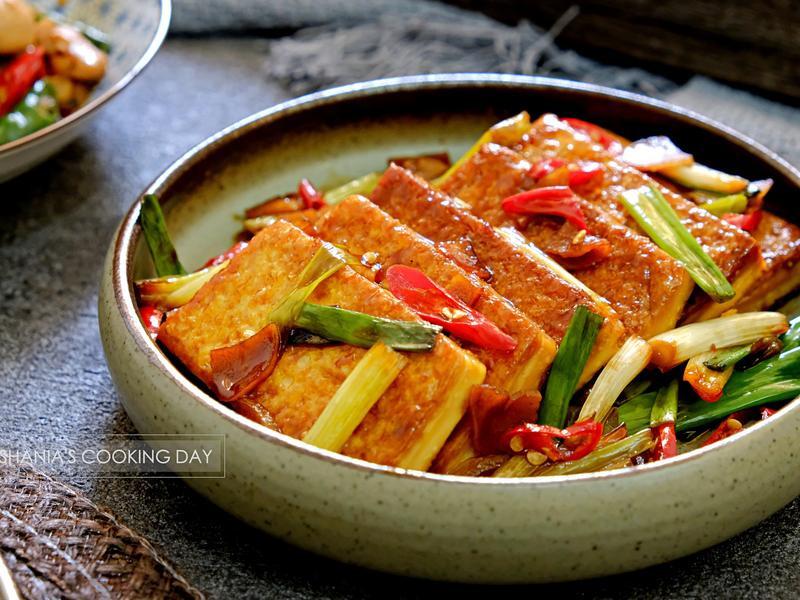 蔥燒豆腐 - 軟嫩鹹香好入味