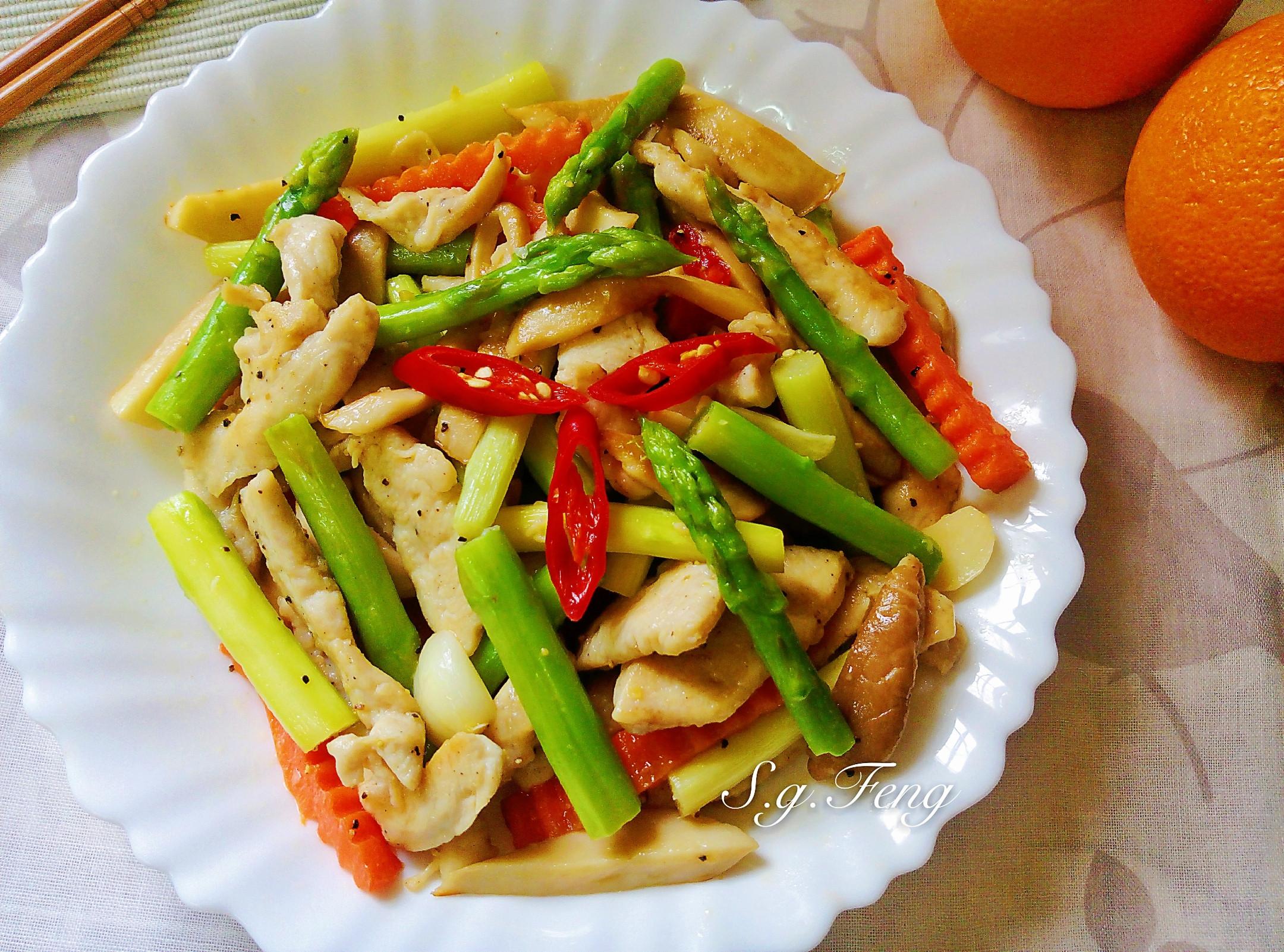 雞肉炒蘆筍杏鮑菇