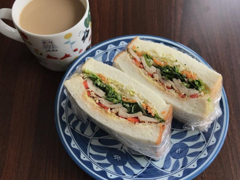 泰式雞胸肉三明治(營養低卡)