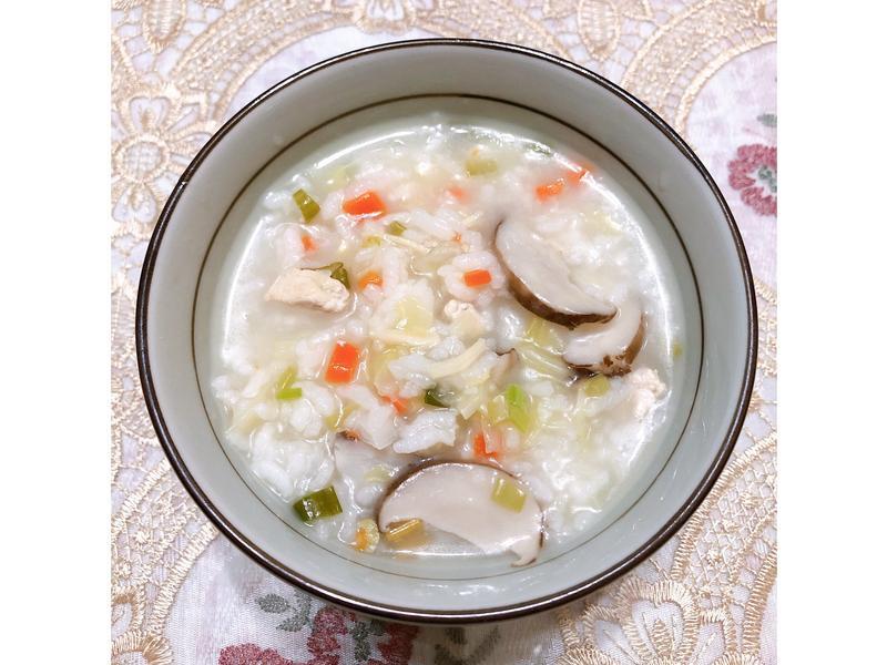 香菇干貝雞肉粥