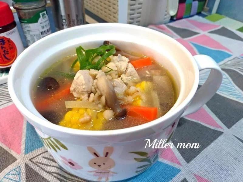薏仁玉米雞肉湯