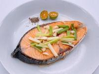 無油煎鮭魚