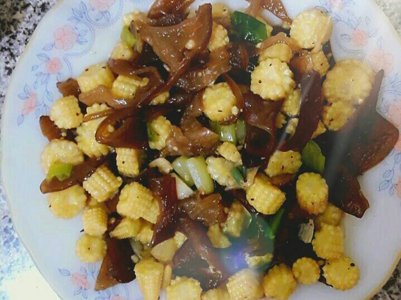 黑椒玉米筍炒木耳
