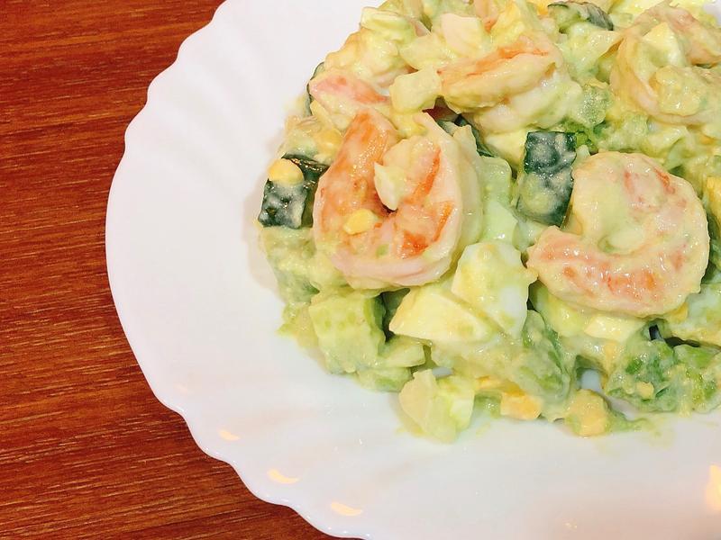 酪梨鮮蝦蛋沙拉-夏日健康料理