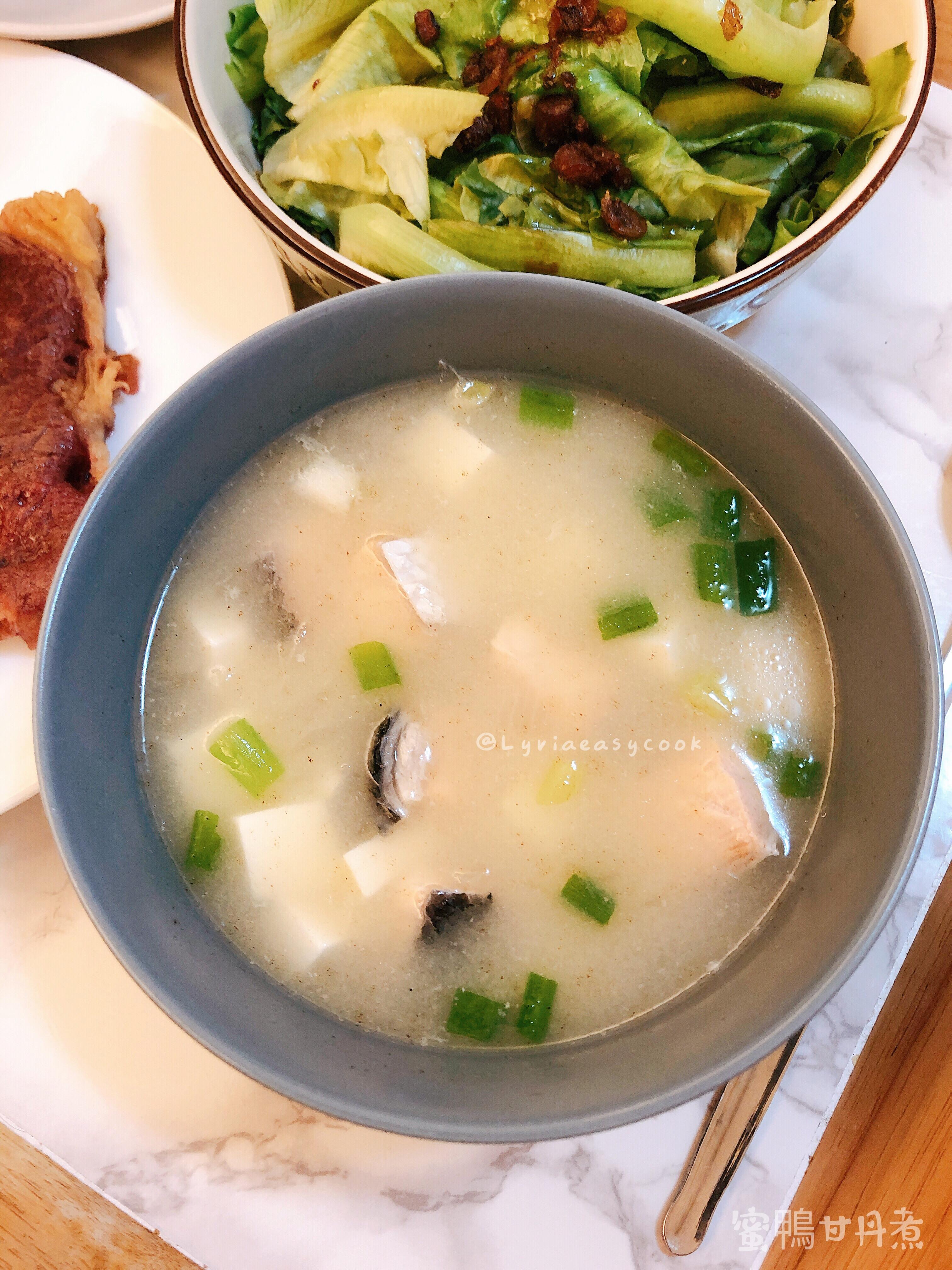 鮭魚豆腐味噌湯(電子鍋版)