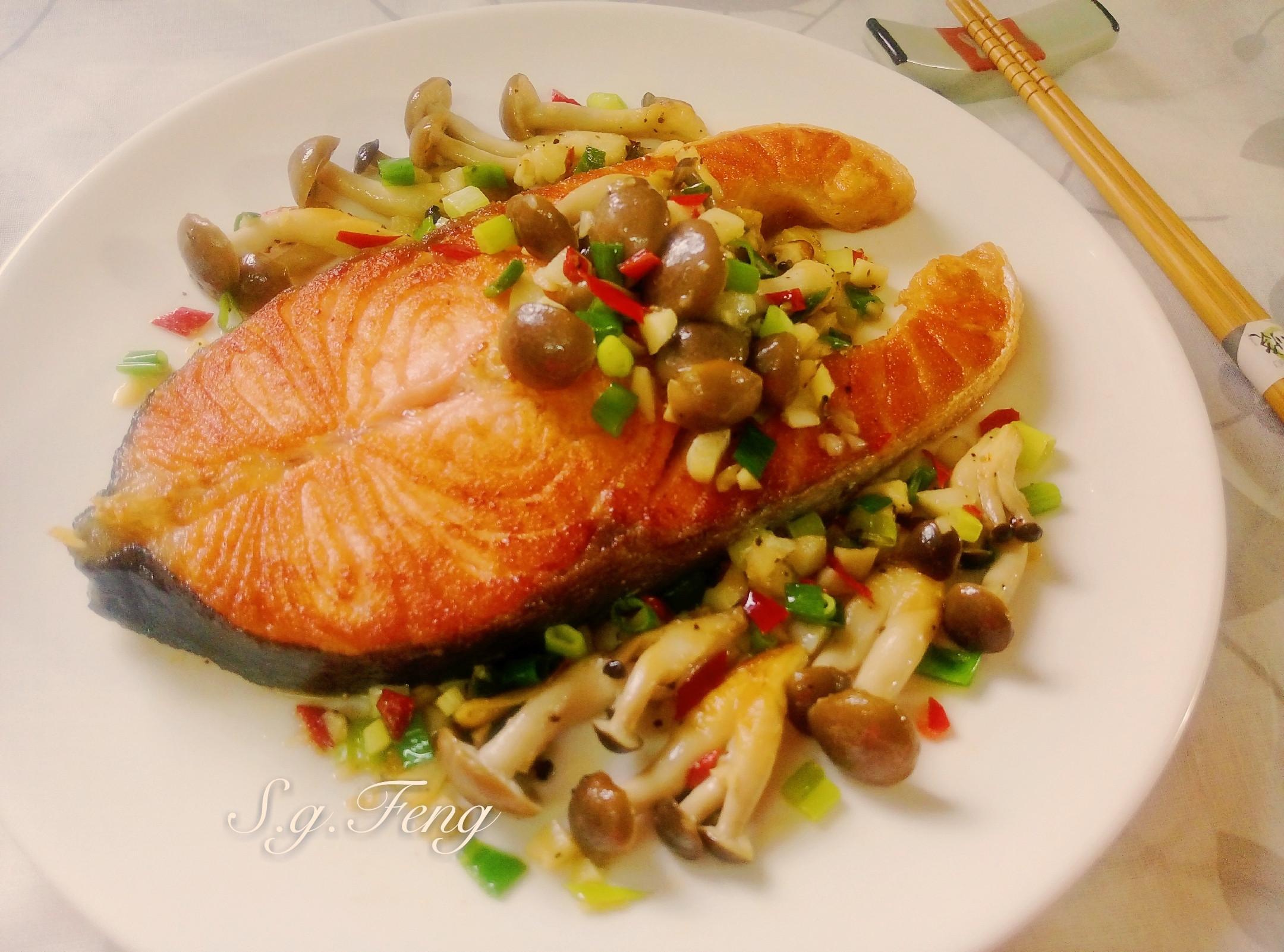 蒜香奶油菇菇鮭魚【好菇道營養料理】