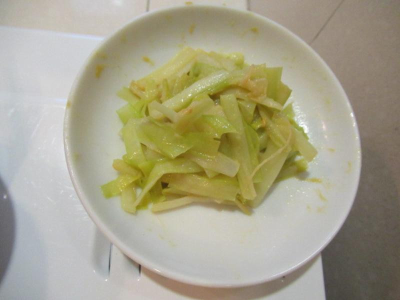 日式芥末醬拌韭黃