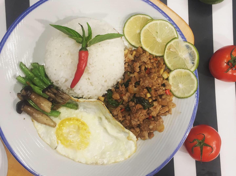 椰子油料理-泰式打拋豬