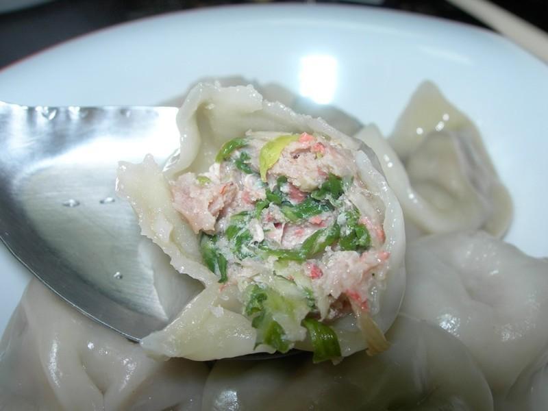 紅麴蚵仔白菜水餃