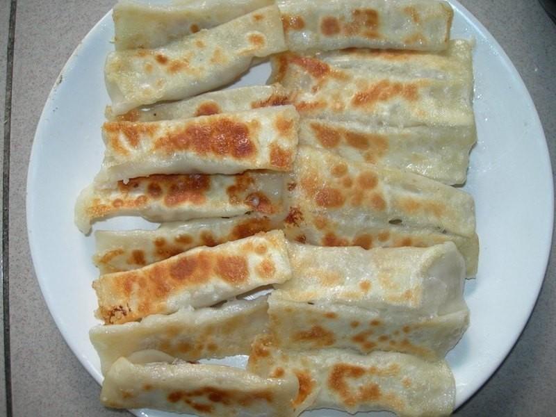 紅麴高麗菜韭黃兩吃法(水煮跟鍋貼)