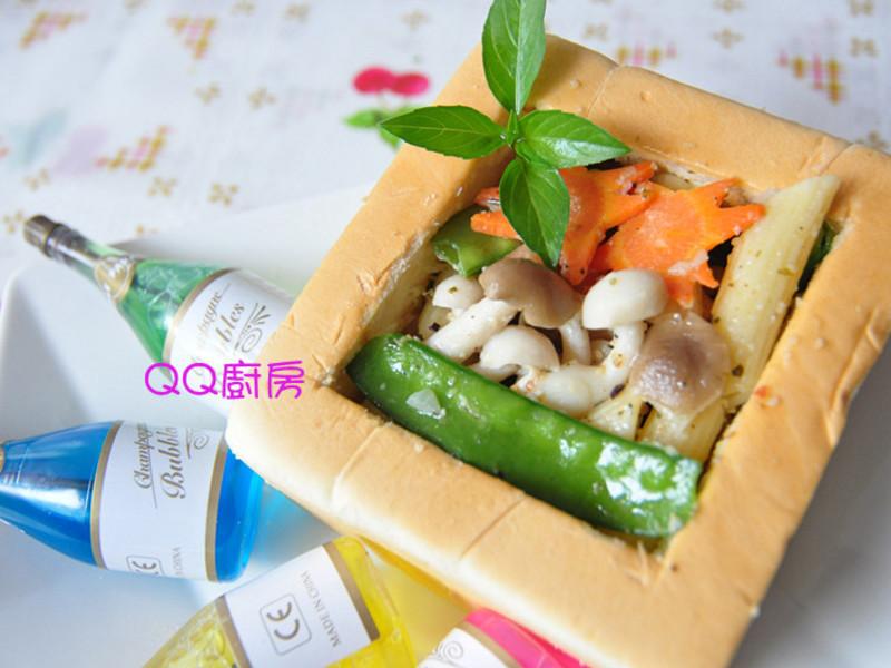 愛的寶盒~奶油雙菇斜管麵