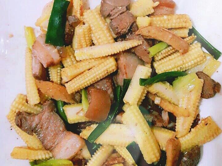 鹹豬肉炒玉米筍
