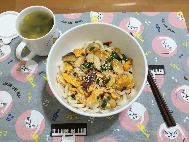 蔥花杏鮑菇烏龍麵
