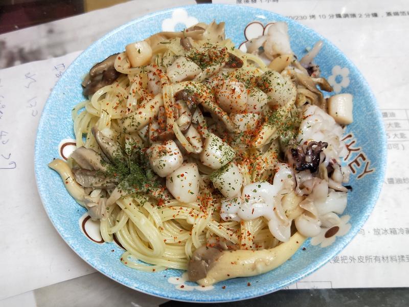 蒜香菇菇海鮮天使麵